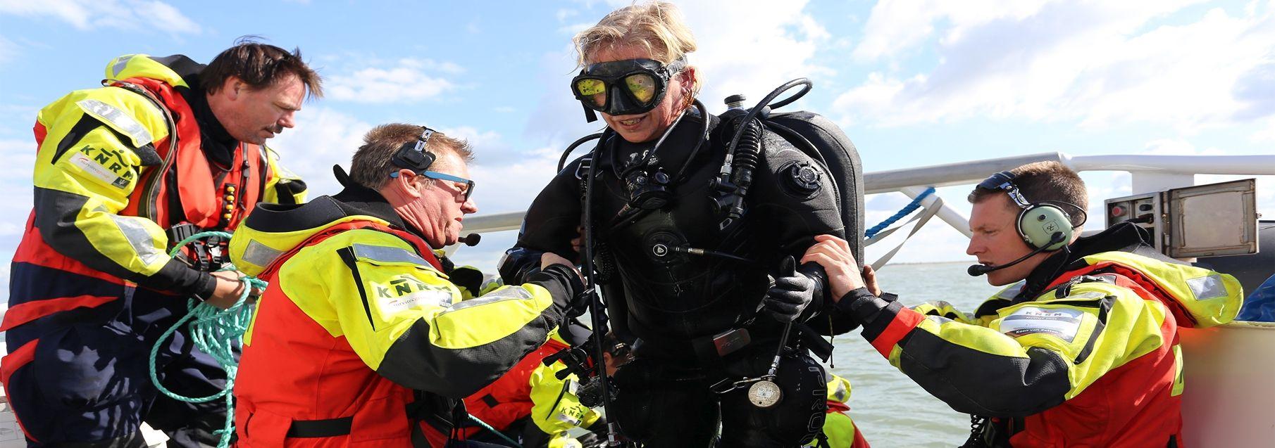 Oefening Neeltje Jans met duikers